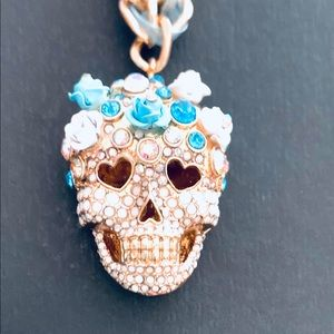 Betsey Johnson 🌹Blue Rose 🥀Crystal Necklace 🌹